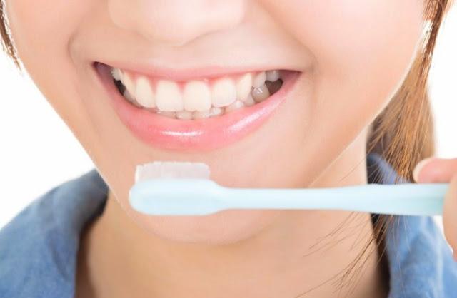 Mencegah Bau Mulut Di Pagi Hari