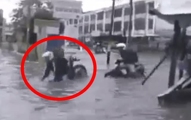 Begini Jadinya Kalau Gak Sabar Nerobos Banjir, Malah Kejungkel Bikin Ngakak