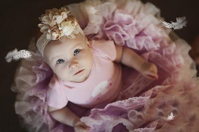Bebé vestida para boda