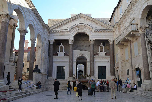 Cung điện Diocletian