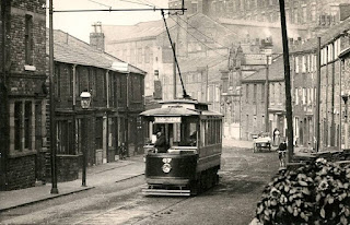 Tram car, Dale St, Milnrow, old photo (c 1910?)