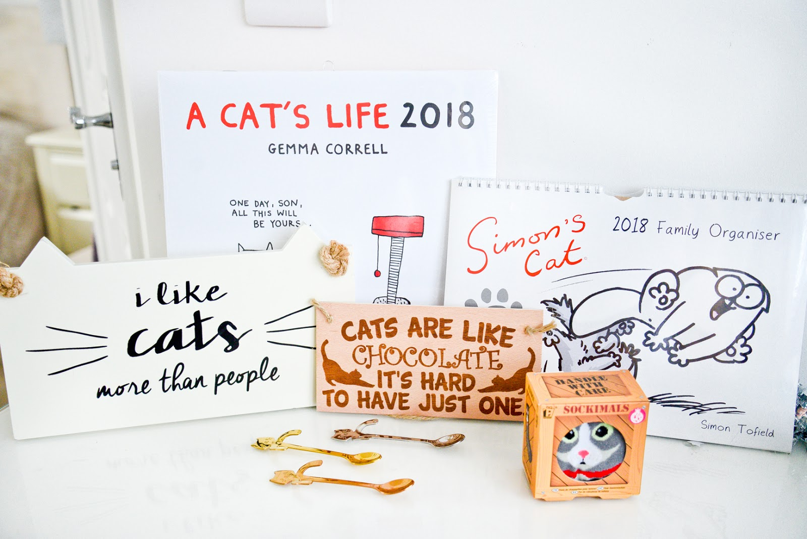 cat presents, presents for cat lovers, cat calendars, cat gifts