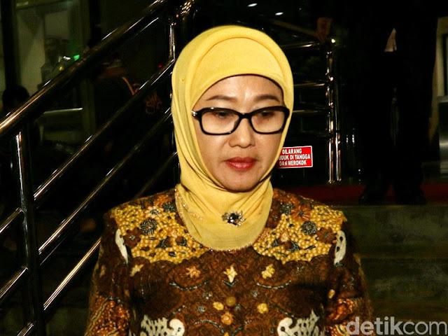 Surati Ridwan Kamil, Bupati Indramayu Anna Mengundurkan Diri