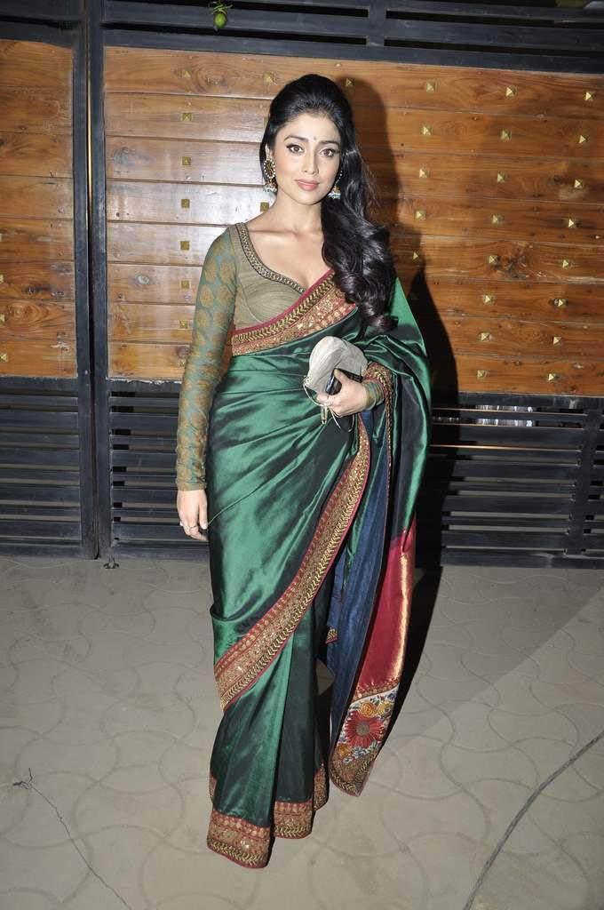 INDIAN ACTRESS: South Indian actress Shriya Saran backless ...
