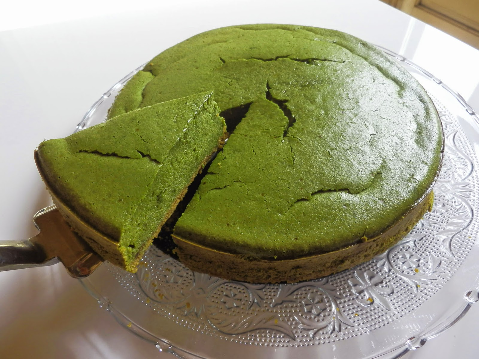 Green Tea Cake Recipe Japanese: COOKING WITH JAPANESE GREEN TEA: Baked Matcha Cheesecake