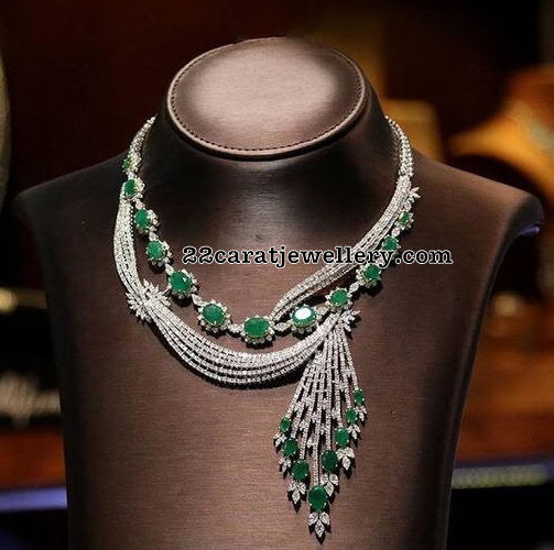 Stylish Collar Choker with Diamonds