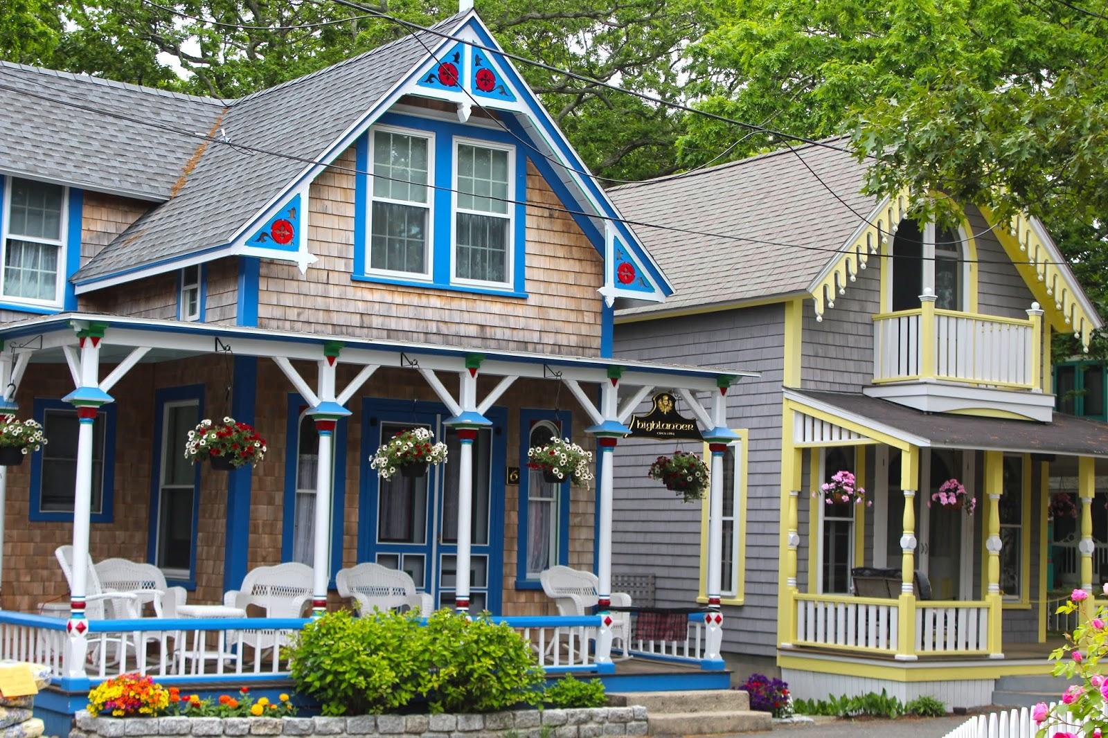 makingresotrations gingerbread cottages