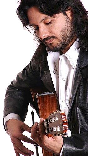 Foto de Jorge Rojas de perfil