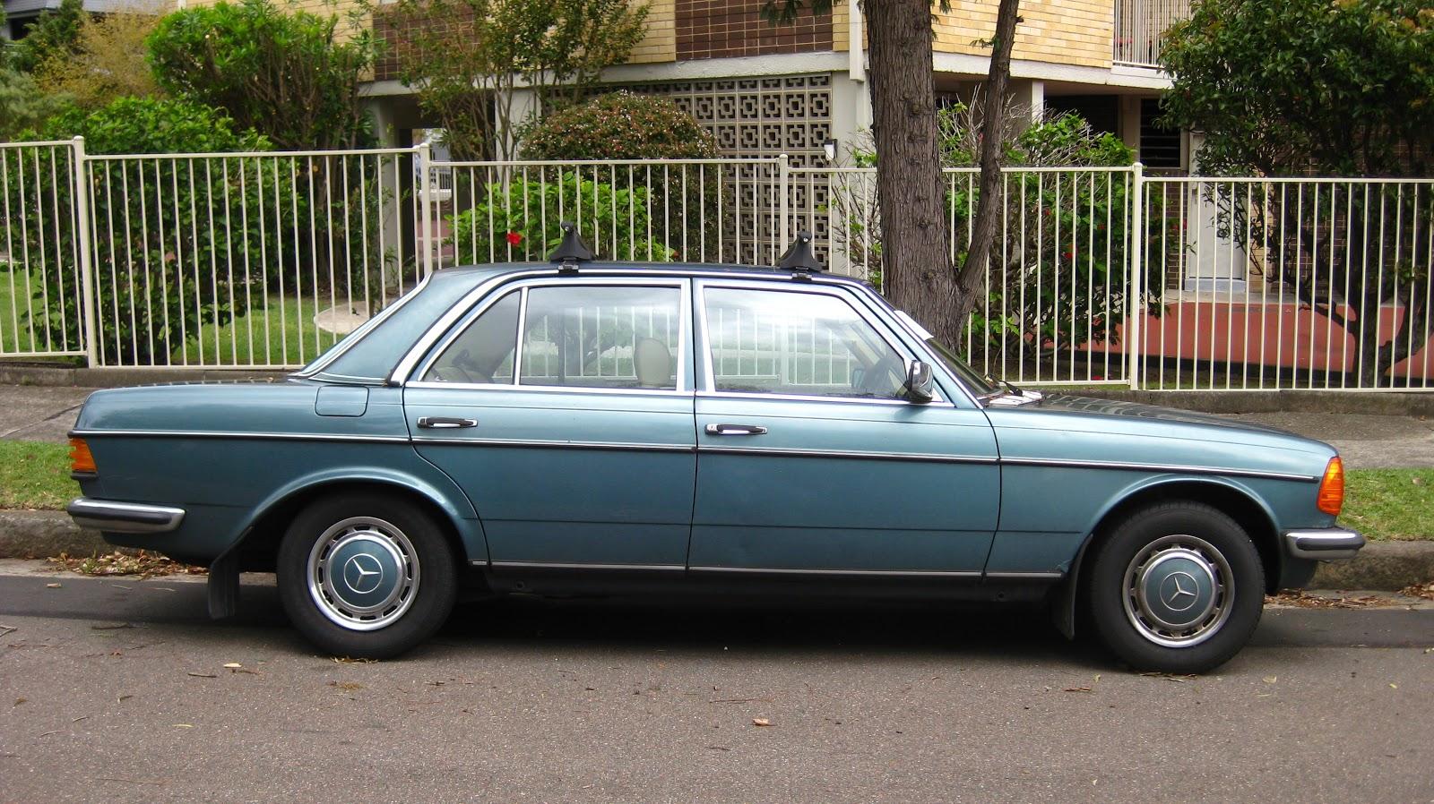 Aussie Old Parked Cars 1980 Mercedes Benz W123 280 E