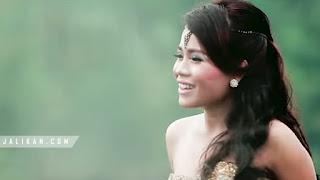 Lirik lagu Ampura Elina Dewi