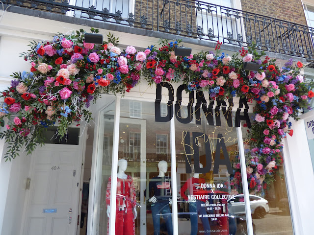 Floral display in London, for free flower festival Belgravia in Bloom 2018