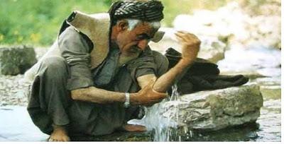 Mencuci kedua belah tangan hingga siku (berwudhu) - pustakapengetahuan.com