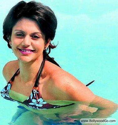 Bollywood Hot Actress In Bikini Bollywood Actress in Bikini Pics 101