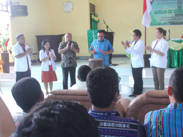 Petrus Fatlolon Jawab 3 Kebutuhan Dokter di Kepulauan Tanimbar