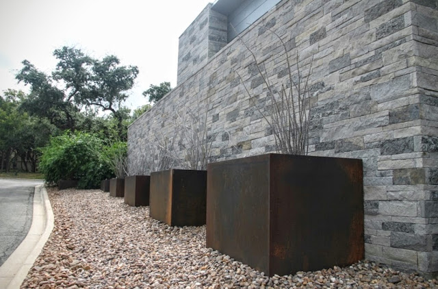 Rock Oak Deer Stylish Xeric Garden Complements A Sleek