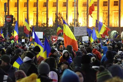 tüntetés Bukarestben, drónfotózás, bűnügyi eljárás, Románia