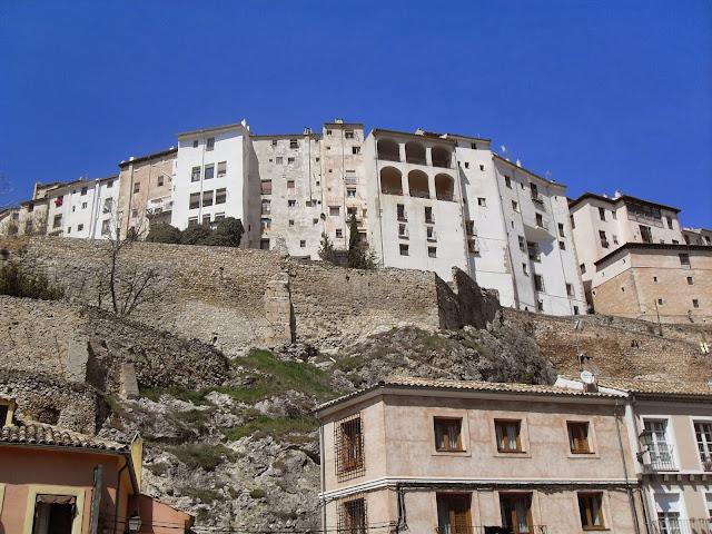 Vistas de las casas de Cuenca desde la hoz