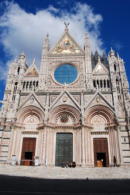 façade de la cathédrale Sienne