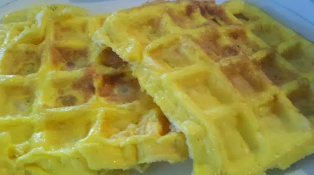 cooking different things in a waffle iron, cooking eggs in a waffle maker, scrambled egg recipe,