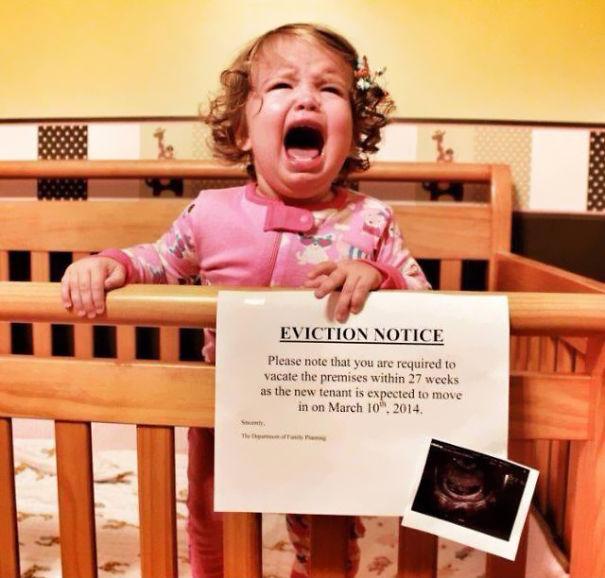 creative-pregnancy-announcement-card-1