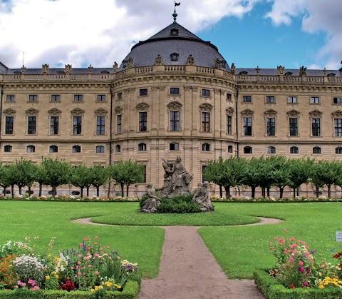 Kortárs kiállításokkal indul a nyári szezon a kismartoni Esterházy-kastélyban