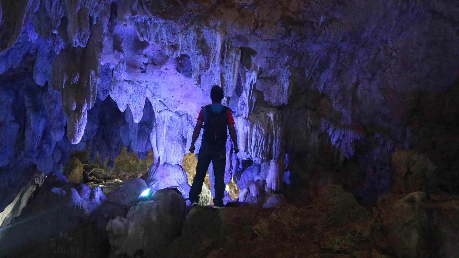 Obyek Wisata Goa Lawa dan Goa Macan