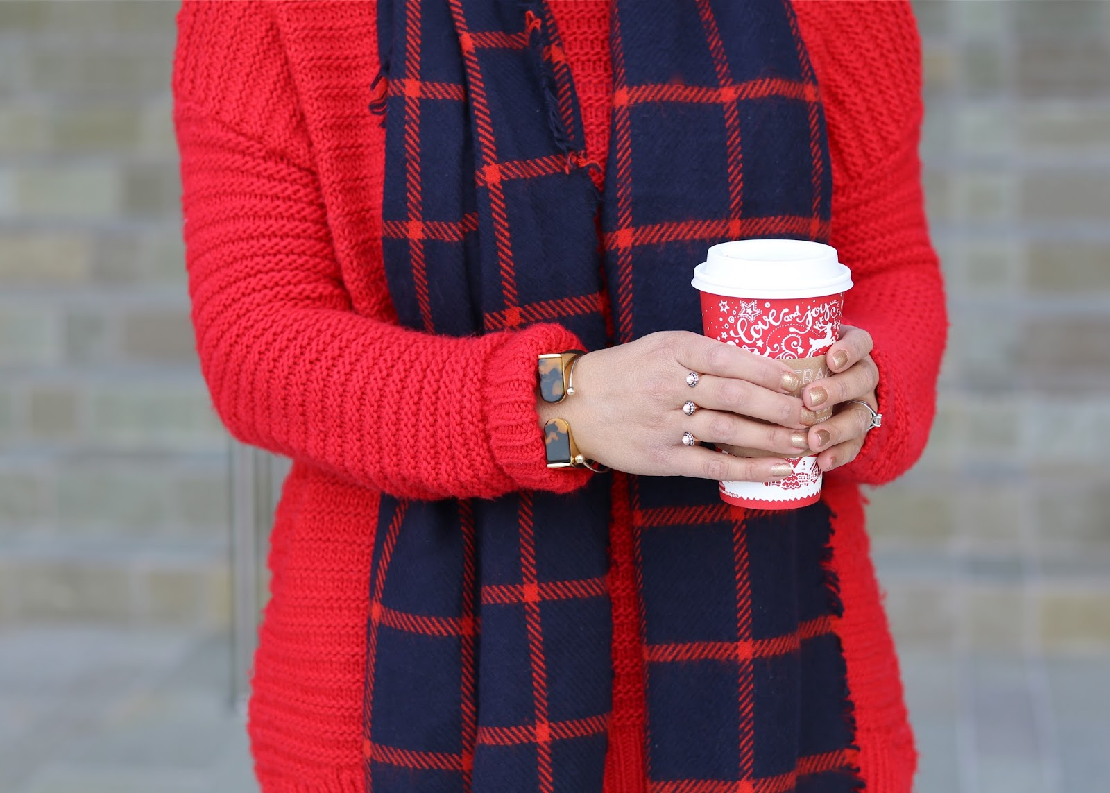 starbucks red cup, starbucks blogger, kendra scott ring, cabi cuff, cabi blogger