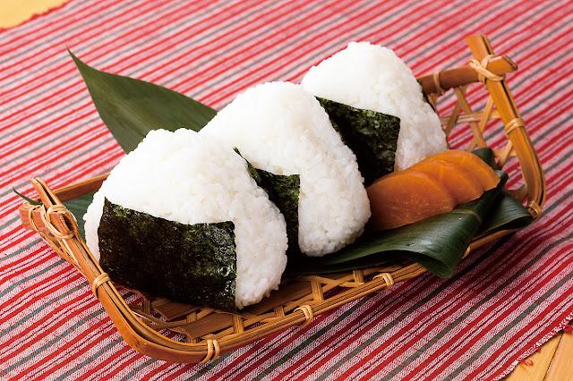 japanese onigiri rice