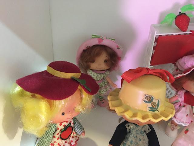 Bonecas da coleção Moranguinho