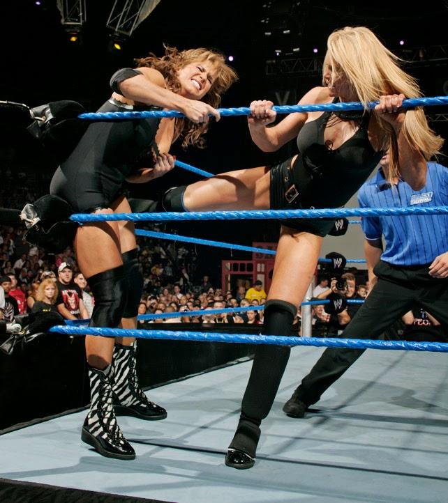 Stephanie McMahon-Trish Stratus-women wrestling-womens wrestling