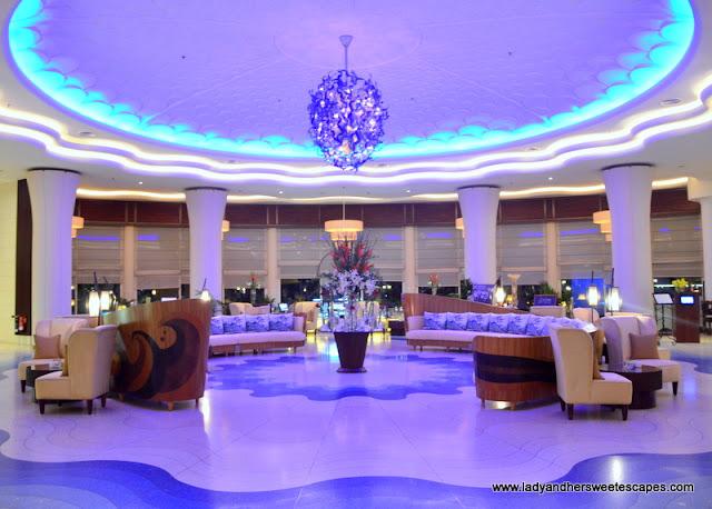 Danat Jebel Dhanna Resort lobby