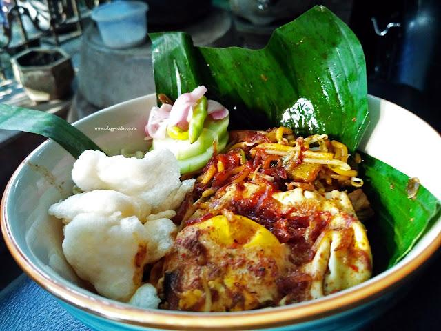 kuliner_culinary_dekat transmart_kuliner dekat transmart_transmart rungkut_gossip_ngemper murah_mie aceh asokaya_mie aceh_mie kocok_mbah google_sang chef_chef_foodie_foodies_food blogger_blogger_vlogger_surabaya_surabaya culinary_chippeido_mie asoka_mie aceh_kepiting soka_mie kepiting_mie aceh kepiting_kepiting_asoka_asokaya