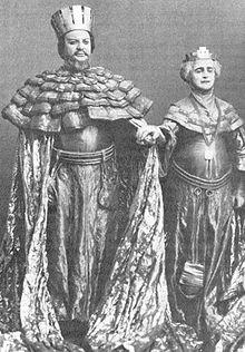 claudius and gertrude relationship in hamlet