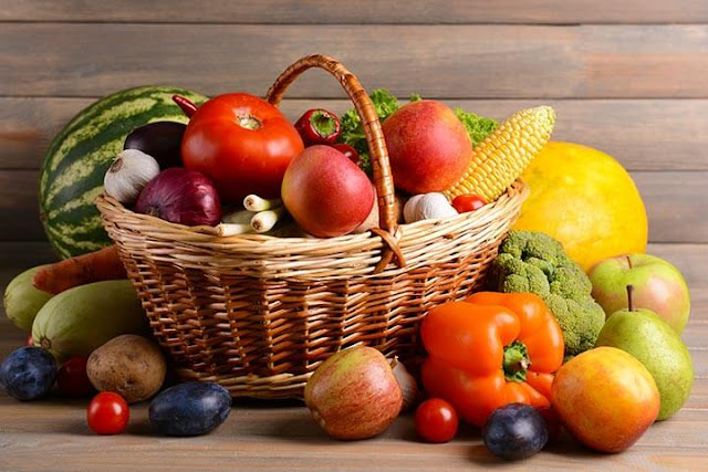 فواكه وخضراوات طازجة