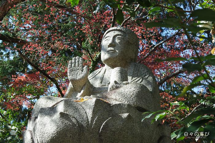 Statue de Bouddha au temple Jizoin de Kunenan, Kanzaki, Saga