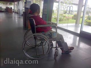 di ruang tunggu bandara Hanandjoeddin, Belitung
