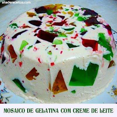 Mosaico de gelatina com creme de leite