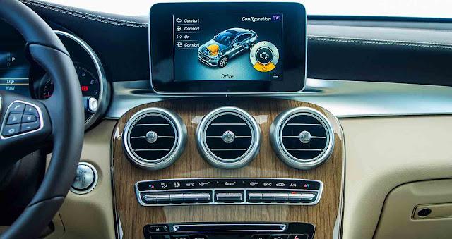 Mercedes GLC 300 4MATIC Coupe 2019 sử dụng Hệ thống giải trí tiên tiến và hàng đầu của Mercedes hiện nay
