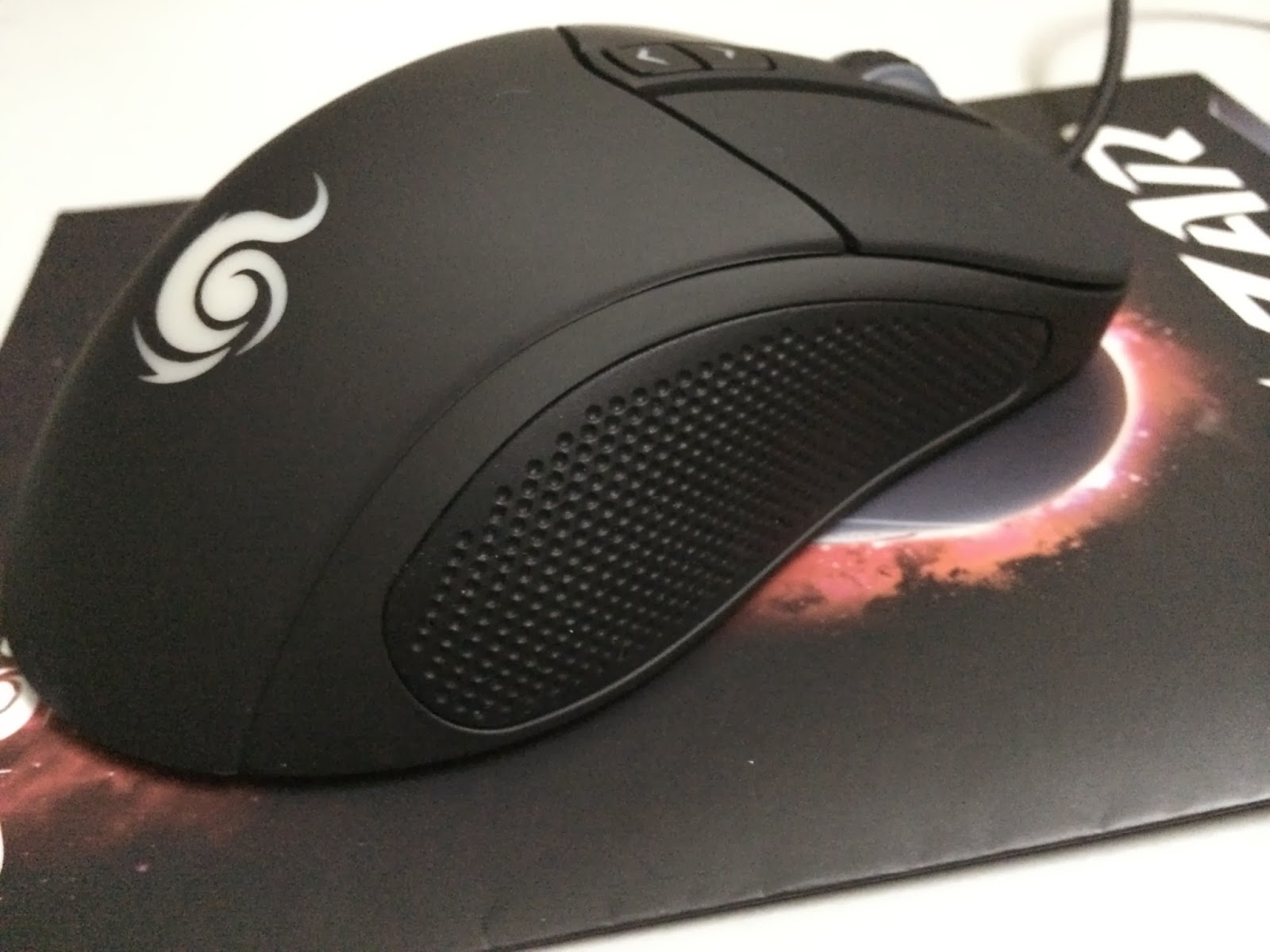 A Sneak Preview On The CM Storm Mizar Laser Gaming Mice 9