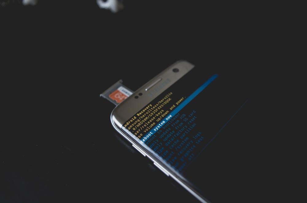 طريقة استعادة الصور والفيديوهات وجهات الإتصال المحذوفة من الهاتف بأستخدام الكمبيوتر