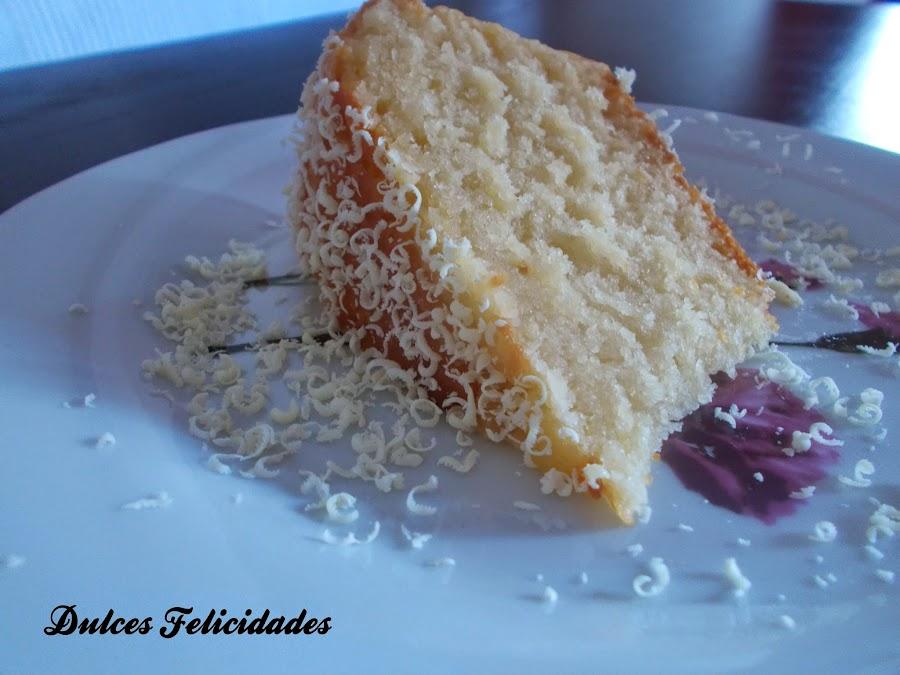 http://dulcesfelicidades.blogspot.com/2014/10/bizcocho-de-coco-mi-particularmente.html