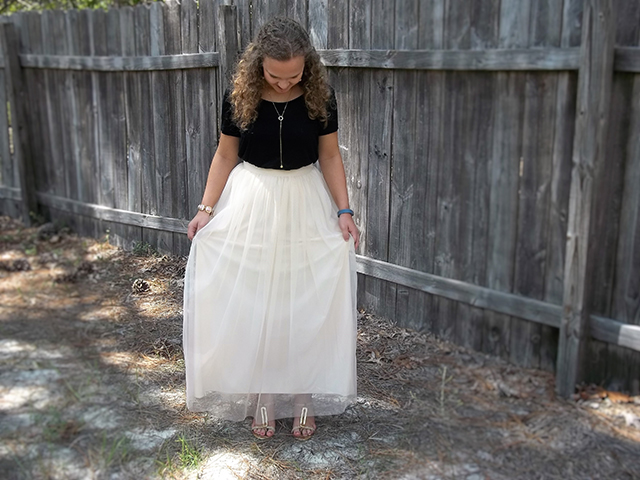 Confidence is a Tulle Skirt & Grace + Lace Link Up black h&m gold jewelry outfit inspiration pretty good day princess makeup style fashion beauty blog