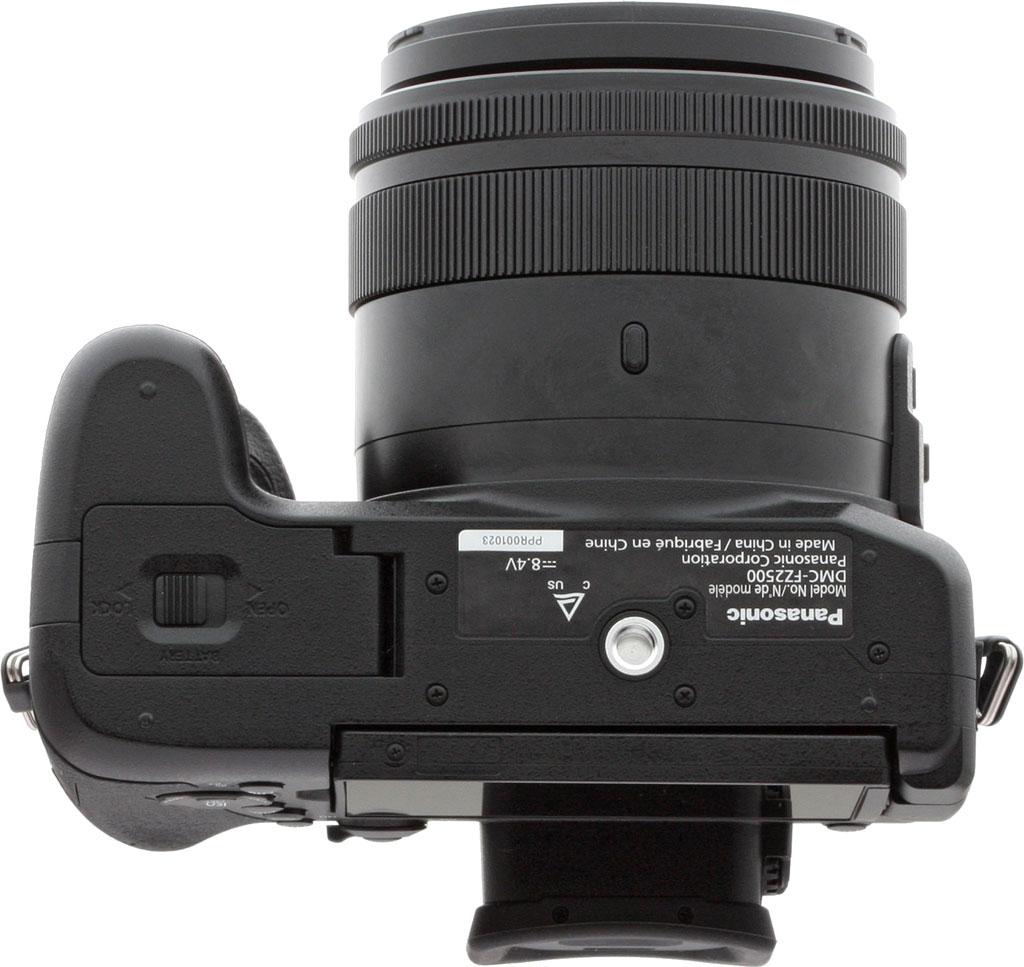 Panasonic Lumix FZ2500, вид снизу