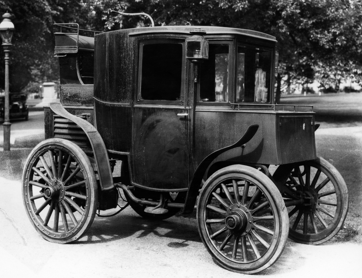 First Electric Motor Car. 1910 Baker Electric Automobile First Motor ...