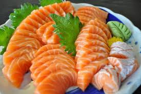 Cá hồi - thực phẩm chứa nhiều omega3 thúc đẩy sản xuất collagen