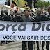 Muritiba: Prefeito aparece segurando faixa em apoio a traficante de drogas