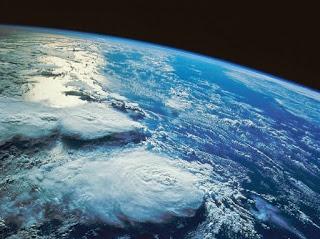 Manfaat Udara dalam Atmosfer di Sekitar Bumi