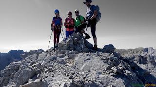 En la cima de la Torre de Coello en los Picos de Europa