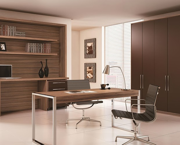 Oficinas en color marr n chocolate colores en casa for Oficina minimalista muebles
