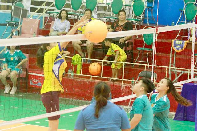 Giải bóng chuyền hơi Sở VH, TT- DL tỉnh Vĩnh Long 2018:  Tranh tài 2 hạng